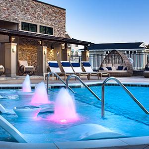 Hudson 5401 apartments pool