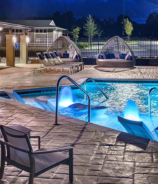 Hudson 5401 apartments pool at night